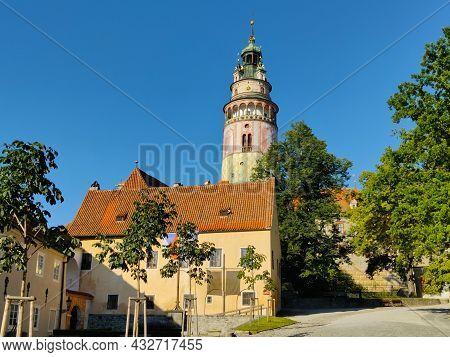 Cesky Krumlov, Czech Republic - September 4, 2021: The Main Courtyard Of Cesky Krumlov Castle With R