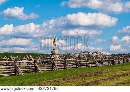 Sharpsburg, Maryland, Usa September 11, 2021 The Monument For The 132rd Pennsylvania Regiment On The