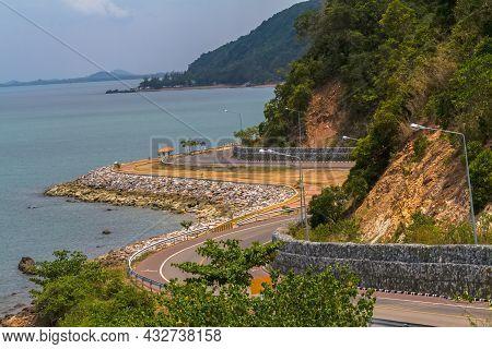 Beautiful Curve Road In Thailand , Seaside And Near Mountain At Kung Wi Marn (nern Nang Phaya Viewpo