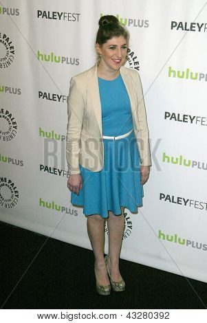 """BEVERLY HILLS - MARCH 13: Mayim Bialik arrives at the 2013 Paleyfest """"The Big Bang Theory"""""""" panel on March 13, 2013 at the Saban Theater in Beverly Hills, CA."""