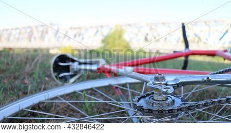 A Single-speed Bicycle Is A Type Of Bicycle With A Single Gear Ratio. These Bicycles Are Without Der