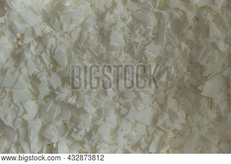 White Soy Wax Flakes For Candle Making. Light Texture Of Soy Wax Flakes. Ingredient For Homemade Can