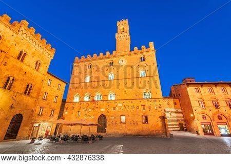 Volterra, Tuscany. Town Central Square, Medieval Palace Palazzo Dei Priori Landmark, Pisa Province I