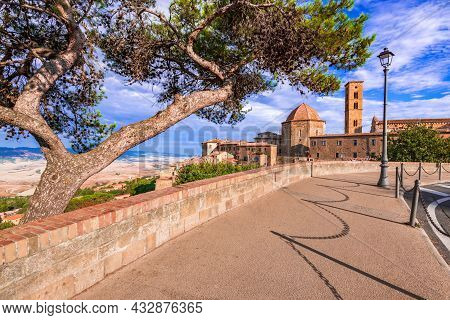 Volterra, Tuscany. Panoramic View Of Volterra - Medieval Tuscan Town With Old Houses, Towers And Chu