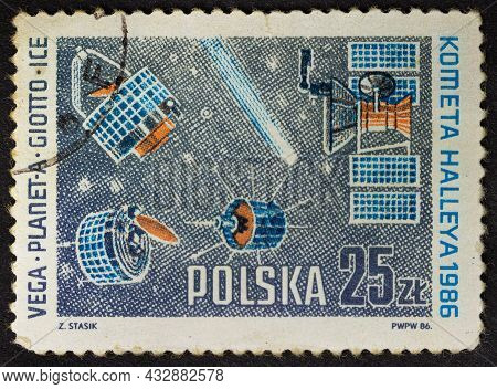 Poland - Circa 1986: Postage Stamp 'comet And Vega, Giotto, Planet-a, Ice-3 Space Probes' Printed In
