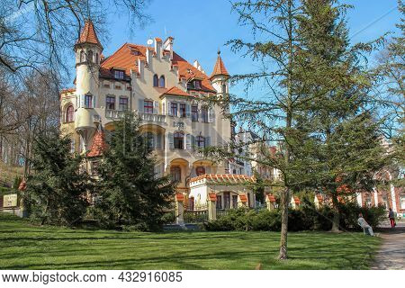 Karlovy Vary, Czech - April 26, 2012: This Is One Of The Buildings In The Style Of Modernism In A Fa