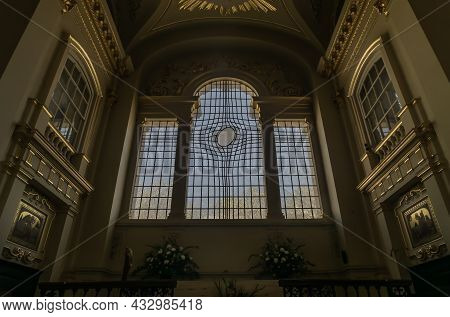 London, Uk - Apr 19, 2019 : Leaded Glass Window At St. Martin In The Fields Church At The North-east