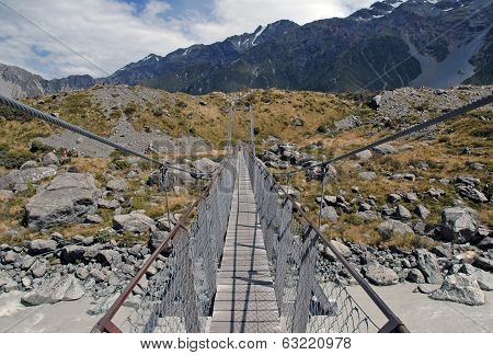Chain Bridge, Mount Cook / Aoraki, Mount Cook National Park, South Island New Zealand