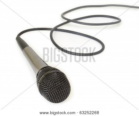 dynamic mic with a curled cable