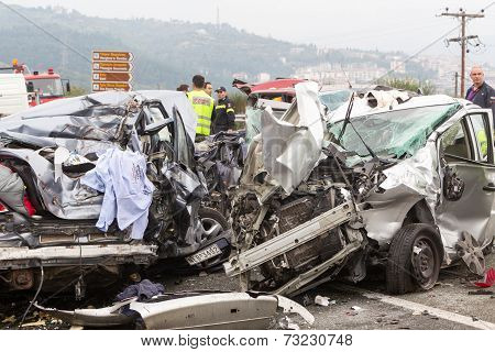 Large Truck Crashed Into A Number Of Cars And 4 People Were Killed