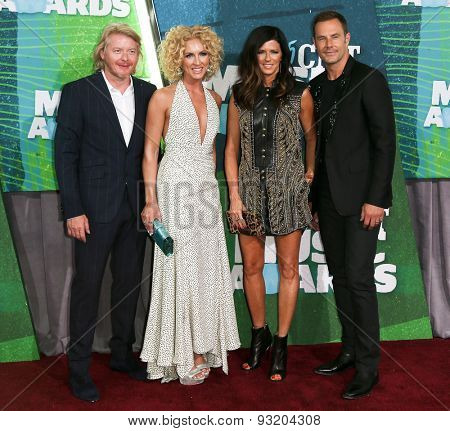 NASHVILLE, TN-JUN 10: (L-R) Phillip Sweet, Kimberly Schlapman, Karen Fairchild and Jimi Westwood of Little Big Town attend the 2015 CMT Music Awards at Bridgestone Arena on June 10, 2015 in Nashville.