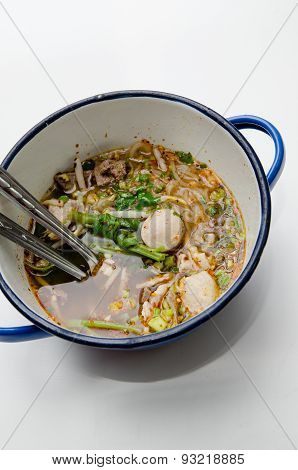 Spicy Tom Yum Noodle, Athai Food