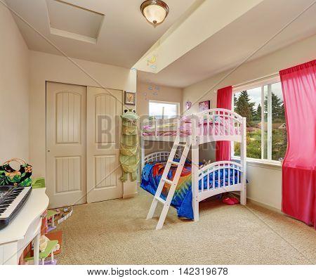 Nice Beige Kids Bedroom With Bunk Bed