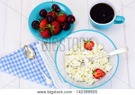 Home Dietary Fat Cottage Cheese Beaded Curd with Strawberry and coffee Studio Photo