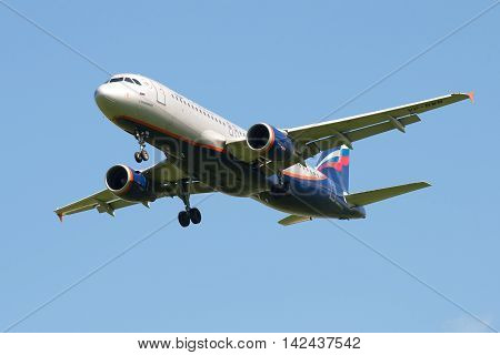 ST. PETERSBURG, RUSSIA - JUNE 29, 2015: Airbus A320 (VP-BWM) of the airline Aeroflot on the glide path closeup