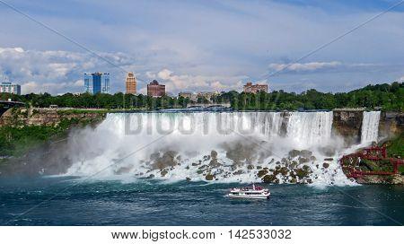 Niagara Falls crashing into rocks from the Canadian side