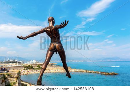 Bronze Sculpture Of Nicolas Lavarenne In Antibes, France
