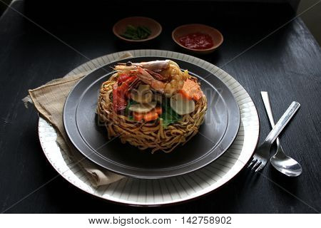 Delicious prawn dry noodle with chili sauce