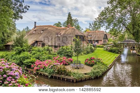 Farms with thatched roofs in Giethoorn Holland