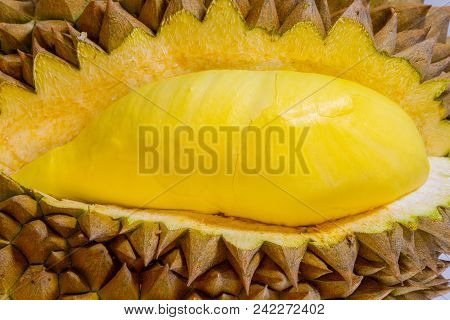 Mon Thong Durian Thai Fruit Nickname King Of Fruits Foreigners Like Very Much. Yellow In Side Out Wa
