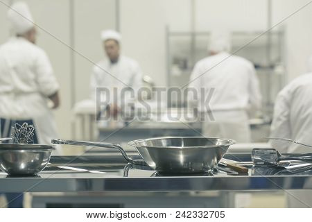 Blurred Background : Groups Of Chef Cooking In The Open Kitchen, Customer Can See They Cooking At Fo
