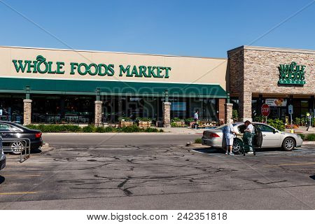 Indianapolis - Circa May 2018: Whole Foods Market. Amazon Announced An Agreement To Buy Whole Foods