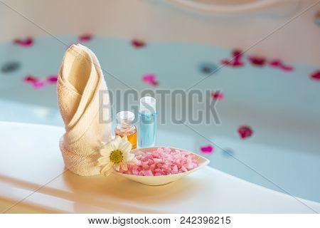 Soft And Select Focus Spa Massage Compress Balls, Herbal Ball And Treatments Spa Decoration, Natural