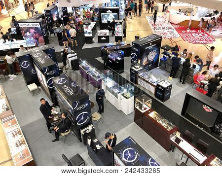 Bangkok Thailand 26 May 2018: Many People Shopping Watch In Watch Fair In Central Lad Prow Departmen