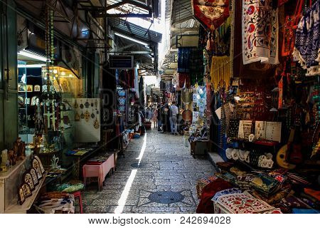 Jerusalem Israel May 28, 2018 View Of Unknowns People Walking In David Street In The Muslim Quarter