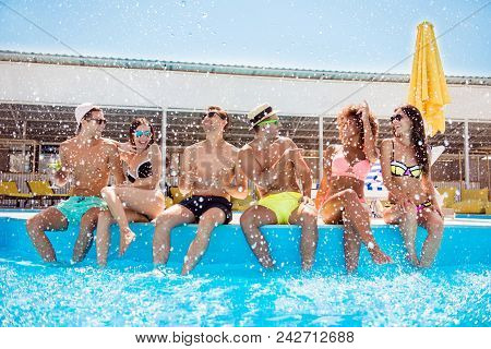 People Love Lovers Multi Disco Drink Alcohol Model Swimsuit Chaise-longue Careless Spa Entertainment