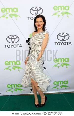 LOS ANGELES - MAY 22:  Perrey Reeves at the 28th Annual Environmental Media Awards at the Montage Beverly Hills on May 22, 2018 in Beverly Hills, CA