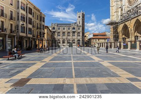 Leon, Spain - April 16, 2018: Old Building At The Cathedral Square In Leon, Spain