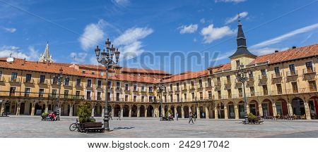 Leon, Spain - April 16, 2018: Panorama Of The Colorful Historic Buildings At The Plaza Mayor Of Leon
