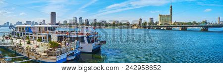 Cairo, Egypt - December 24, 2017: Panorama With The Ship Restaurant At Nile Bank With A View On Qasr