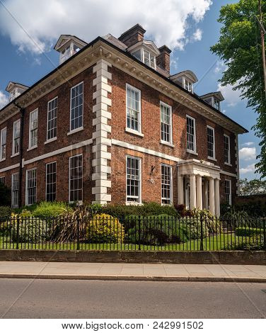 Delightful Georgian Brick House And Flats In The Center Of Shrewsbury In Shropshire