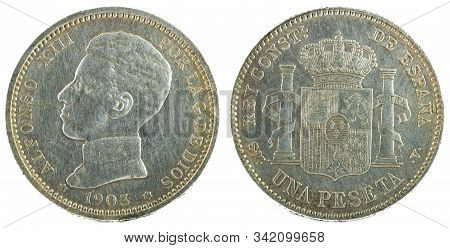 Ancient Spanish Silver Coin Of The King Alfonso Xiii. 1 Peseta. 1903, 19 03 In The Stars.
