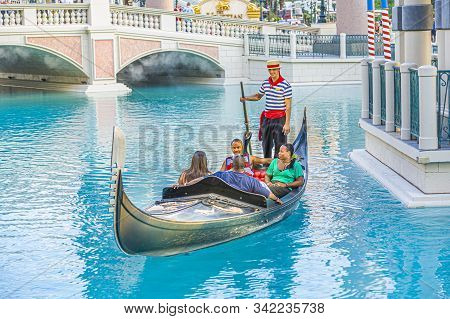 Las Vegas, Usa - July 17, 2008:  Gondola With Tourists At The Venetian Resort Hotel & Casino The Res