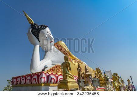 Chiang Mai, Thailand - Dec 26, 2019 : Beautiful Big Buddha Statue At Wat Phra That Doi Kham Or Phra