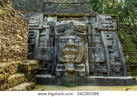 Lamanai Archaeological Reserve Mayan Mast Temple In Belize