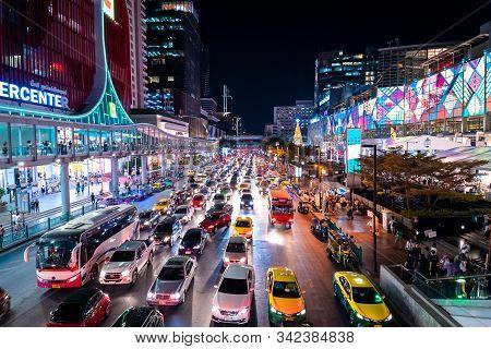 Bangkok, Thailand - November 28 2019: Busy Street In Bangkok's Finance And Business District. Bangko