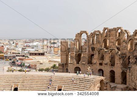 El Jem, Tunisia - July 22, 2018: The Roman Amphitheatre In Thysdrus, Modern El Jem,an Ancient Roman