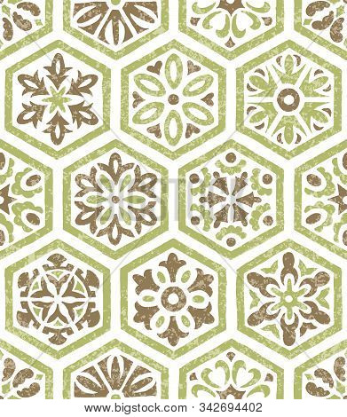 Tile Seamless Pattern. Patchwork Style Ornament. Grunge Texture, Vintage Background. Print For Texti