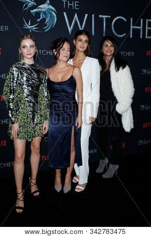 LOS ANGELES - DEC 3:  Freya Allan, Lauren Schmidt Hissrich, Anya Chalotra, Bela Bajaria at the