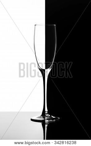 Glass For Champagne Or Wine In The Style Of Domino Half Black The Other Half White