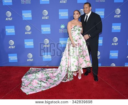 LOS ANGELES - JAN 02:  Jennifer Lopez and Alex Rodriguez arrives for the PSIFF Awards Gala 2020 on January 02, 2020 in Palm Sprimgs, CA