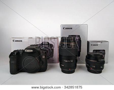 Brnenec, Czech Republic-august 13, 2019:  Body Of Camera Canon 40d And Lenses  Canon Ef 100 Mm F 2,8