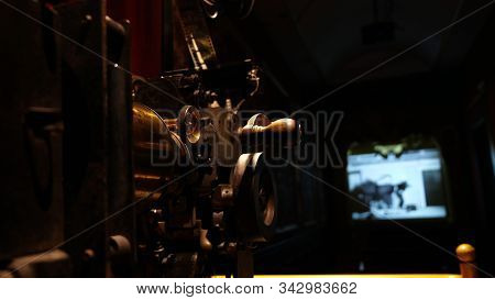 Retro Style Vintage Metal Film Projector, Old Cinematographic Machinery,analogue Film Manufacturing,
