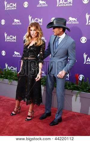 LAS VEGAS - MAR 7:  Faith Hill, Tim McGraw arrives at the 2013 Academy of Country Music Awards at the MGM Grand Garden Arena on March 7, 2013 in Las Vegas, NV