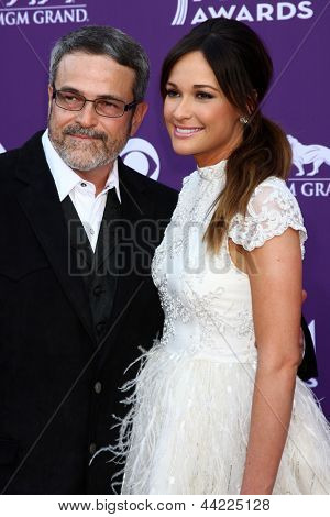 LAS VEGAS - MAR 7:  Kacey Musgraves, and dad arrives at the 2013 Academy of Country Music Awards at the MGM Grand Garden Arena on March 7, 2013 in Las Vegas, NV