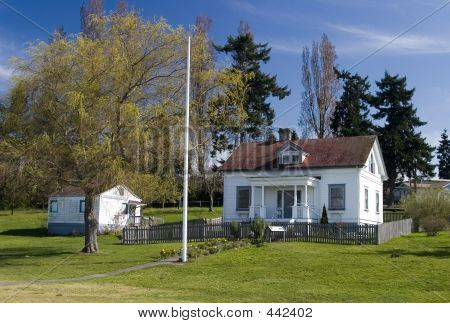 Browns Point Lighthouse Keepers House